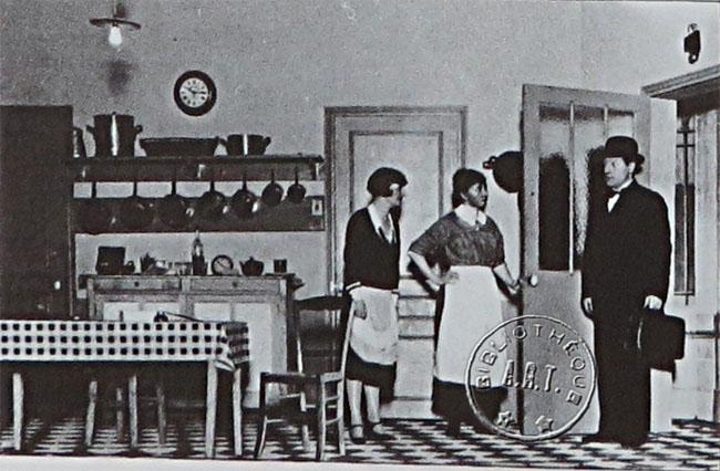 th tre sacha guitry yvonne printemps et les premiers succ s. Black Bedroom Furniture Sets. Home Design Ideas